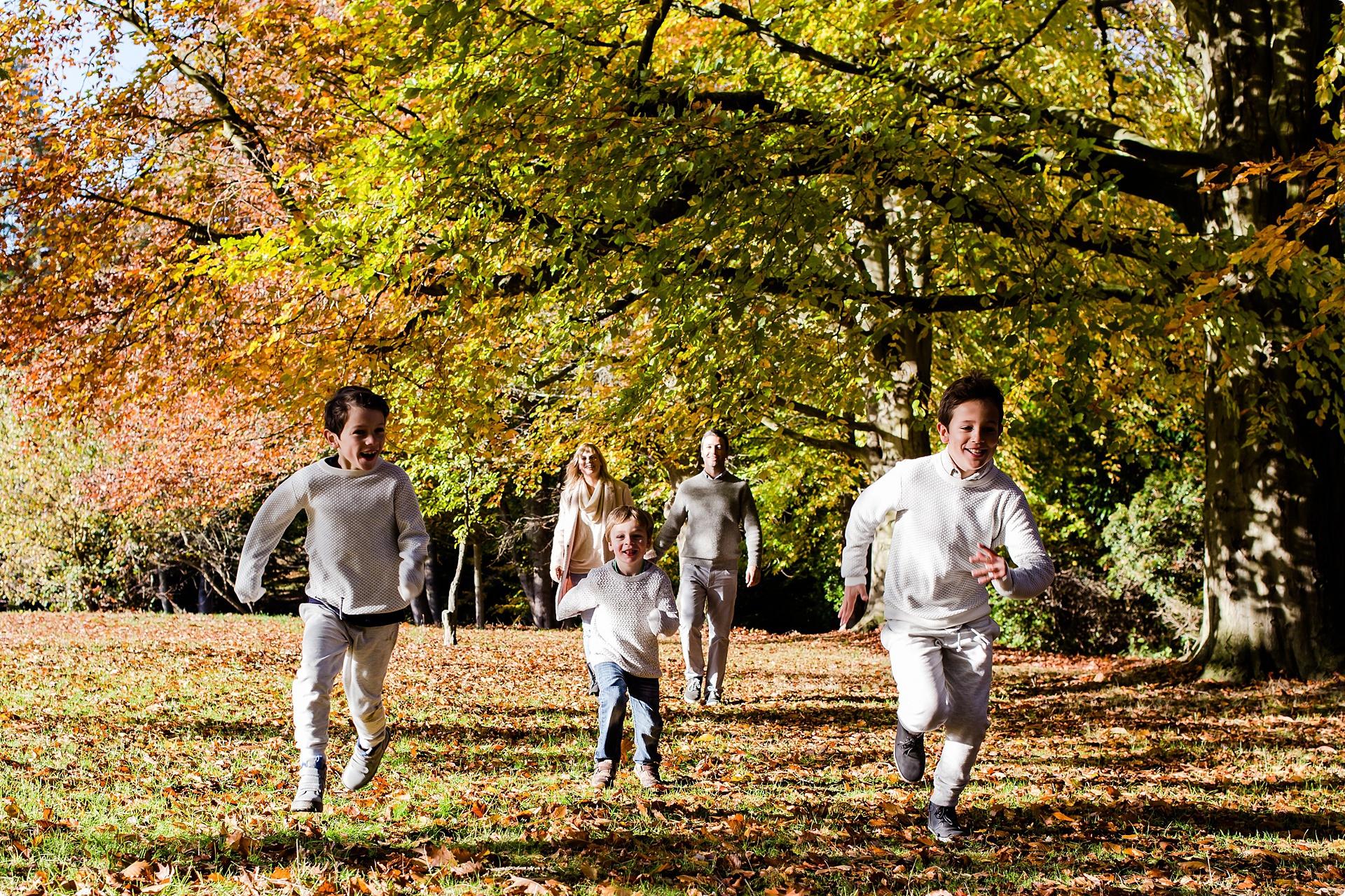 Family photo kids running